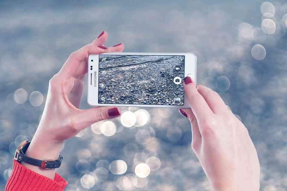 Akıllı Telefonları Fotoğraf Baskı Makinesine Dönüştüren Kılıf
