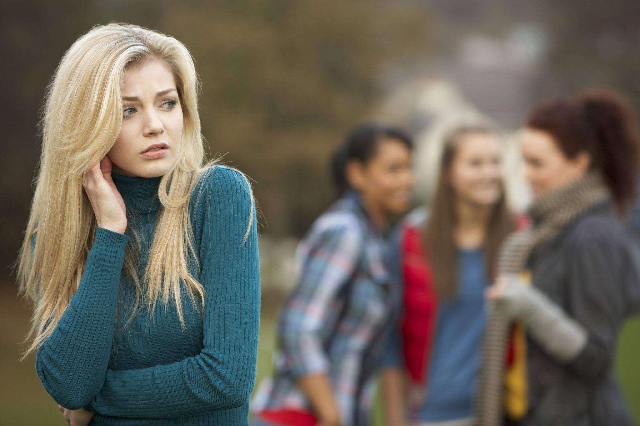 Sosyal Fobi Nedir, Sosyal Fobi Nasıl Tedavi Edilir?