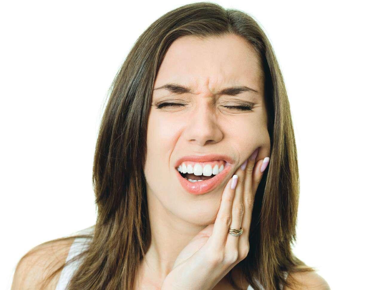 Diş Ağrısı Neden Olur? Diş Ağrısı Nasıl Geçer?